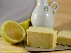 sapone fatto in casa: avete mai pensato di fare il sapone in casa? E' anche una bella idea regalo per le prossime feste.