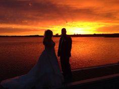 #zonsondergang @gcrutgers met #bruidspaar hoe geweldig is dit??#toplocatie #Rhederlaag #Zevenaar. Donderdag 22 mei 2014. Via twitter @gcrutgers.