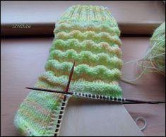 Knitting Patterns Ravelry Wave Pattern 60 Overall Needle Game Wool: Oranienburger Wollfärbeduo www. Knitting Needles, Free Knitting, Knitting Socks, Baby Knitting, Knitting Patterns, Crochet Patterns, Thread Crochet, Crochet Hooks, Knit Crochet