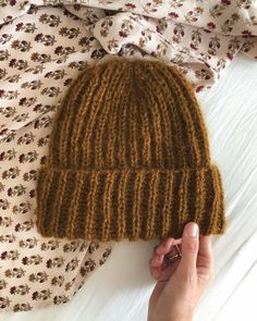 We love Petiteknit Knitting Designs, Knitting Projects, Crochet Projects, Hand Knitted Sweaters, Knitted Hats, Handgestrickte Pullover, Knitting Patterns, Crochet Patterns, Wooly Hats