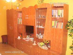 Elado ujszerü barna szekrénysor. - 45000 Ft - Nézd meg Te is Vaterán - Szekrény, szekrénysor - http://www.vatera.hu/item/view/?cod=2147874374