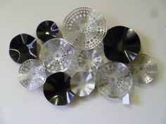Metalen wanddecoratie Cd Crafts, Wall Decor, Room Decor, Metal Wall Art, Diamond Earrings, Abstract, Jewelry, Posters, Ideas