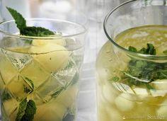 Kruszon z melonem i limoncello Limoncello, White Dinner, Cantaloupe, Alcoholic Drinks, Fruit, Food, Ice, Essen, Eten