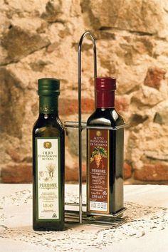 Olio Extra Vergine e Aceto. Azienda produzione: Oleificio Perrone