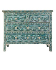 A short and practical guide on how to buy accessories for your bathroom Turquoise Home Decor, Turquoise Accessories, Luxury Home Decor, Luxury Homes, Luxury Furniture, Cool Furniture, Vases, Dresser In Living Room, Bathroom Accessories
