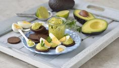 MAGGI Rezeptidee fuer Avocado-Eier-Aufstrich Appetizer Recipes, Appetizers, Dips, Food And Drink, Low Carb, Yummy Food, Favorite Recipes, Healthy Recipes, Snacks
