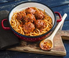 36 Super Ideas For Pasta Beef Recipes Dishes Meatball Recipes, Beef Recipes, Pastas Recipes, Spaghetti Squash Recipes, Albondigas, Spaghetti And Meatballs, Clean Eating Snacks, Food Dishes, Gastronomia