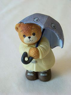 Enesco: LUCY & ME Lucy Rigg - Teddy Bear with Umbrella, Raincoat, and Boots