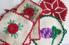 vintage pot holders vintage hand crafts hand crocheted kitchen pot holders set of 6 vintage linens retro kitchen wares