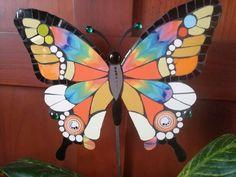 Mosaic Garden Art, Mosaic Art, Mosaic Glass, Mosaic Tiles, Butterfly Mosaic, Mosaic Tile Designs, Butterfly Coloring Page, Mosaic Stepping Stones, Mosaic Madness