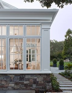 Farmhouse Cottage: Come see this FABULOUS dream white farmhouse from California architect / designer Wendy Posard. -- To view further, click the image White Farmhouse, Modern Farmhouse, Farmhouse Ideas, Farmhouse Windows, Cottage Farmhouse, Farmhouse Kitchens, Modern Rustic, Style At Home, Sunroom Decorating