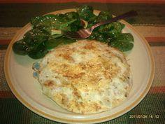 TORTILLA DE COLIFLOR  1 ½ taza de coliflor  4 claras de huevos  1 cucharita de pimienta negra  1/2 cebolla (finamente picada)  Spray de coco o uva