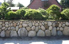 Friesenwälle | Garten- und Landschaftsbau GmbH - Willi Petersen & Sohn - Westerland auf Sylt Garden Wall Designs, Rock Garden Design, Landscaping Retaining Walls, Hydrangea Care, Stone Masonry, Dry Stone, River Stones, My Secret Garden, Stone Houses