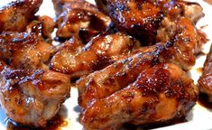 Chicken wings or drummettes slathered with a combo of pineapple juice, soy sauce, lemon gelatin and poppy seeds. Man Food, Chicken Wing Recipes, Football Food, Game Day Food, Appetizer Recipes, Appetizers, I Love Food, Soul Food, Chicken Wings