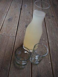 Levandulová limonáda Carafe, Gin, Glass Of Milk, Drinks, Food, Drinking, Beverages, Decanter, Eten