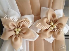 Para cortinas Cloth Flowers, Felt Flowers, Fabric Flowers, Paper Flowers, Diy Flowers, Colorful Curtains, Curtains With Blinds, Drapes Curtains, Curtain Holder