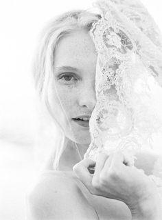 Fine Art bridal accessories by SIBO Designs - coastal bridal session ideas | Wedding Sparrow | thecablookfotolab