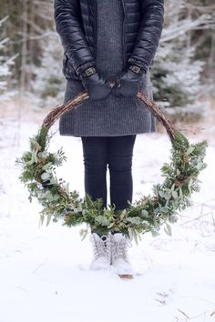 Wreath love Wreath Ideas, Christmas Wreaths, Flowers, Blog, Crafts, Home Decor, Crafting, Manualidades, Decoration Home