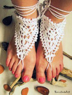 ▲ Boho ▲ Barfuss Sandalen weiß Triangel von Ranitas Art auf DaWanda.com