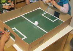 Nachdem unser Wutzler (Fußballtisch) ziemlich in Beschlag genommen ist, haben wir einen Ersatz hergestellt: Mit Strohhalmen ve...