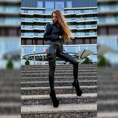 Tight Leather Pants, Leather Trousers, Leather Leggings, Leather Boots, Leather Jacket, Elegantes Outfit, Long Legs, High Heel Boots, Catsuit