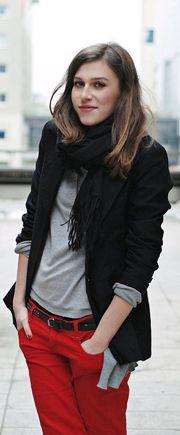 Ways to Wear Black and White Blazers
