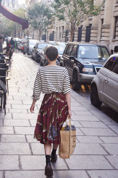 Lady Moriarty, stripes, floral, skirt, midi, boots, tote bag, casual, style, fashion, short hair, striped top