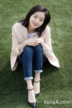 Kim Go-eun (김고은) - Picture Gallery Kim Go Eun Style, Kim So Eun, Korean Actresses, Korean Actors, Actors & Actresses, Korea Summer Fashion, Korean Fashion, Korean Short Hair, Korean Girl