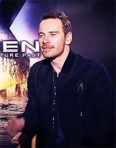 Fassy Every time I watch this I have to laugh... you are so cute my dear ;)