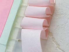 ふんわりリボンの作り方 Diy Ribbon, Ribbon Work, Ribbon Crafts, Fabric Yarn, Fabric Ribbon, Diy Shows, Bow Tutorial, Making Hair Bows, Kids Jewelry