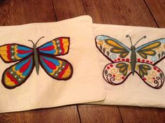 Mariposas bordadas a mano, Las Adelas.