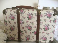 SHABBY VINTAGE STYLE CHIC CREAM AND PINK FLORAL CARDBOARD STORAGE CASE WEDDING