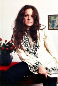 Maysa Matarazzo is a Brazilian singer.