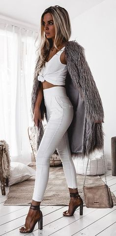 fashion trends / fur coat + white set + heels + bag