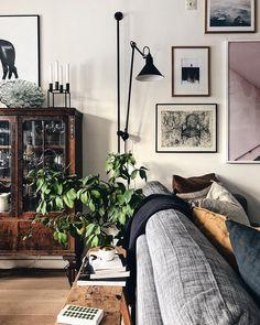 Home Interior Design — Living room Cozy Living Rooms, Living Room Chairs, Home Living Room, Interior Design Living Room, Living Room Decor, Living Spaces, Dining Room, Appartement Design, Deco Design