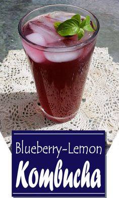 How to make a delicious and super easy Blueberry Lemon Kombucha fermented tea for a refreshing and healthy summer drink. Includes five places to order SCOBY Kombucha Drink, Kombucha Flavors, Kombucha Scoby, How To Brew Kombucha, How To Make Scoby, Kombucha Brewing, Fermented Tea, Fermented Foods, Probiotic Foods