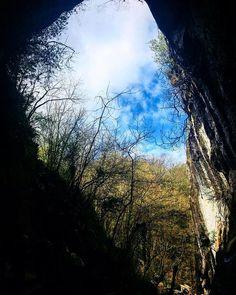 Zugarramurdi cave . . . . #explore #live #work #dowhatyoulove #lovewhatyoudo #love #do #green #jungle #trees #amazing #youcan #feelings #feels #feel #adventure #road #way #i #sebamarin #dontstop #keepgoing #hustle #photography #photographer #photo #photooftheday #photoshoot