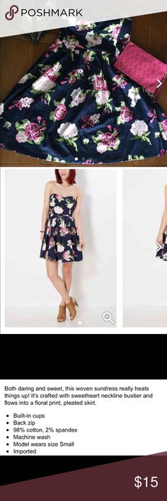 ✨HP 8/22✨Navy Floral Dress! NWT. Rue 21 Dresses Strapless