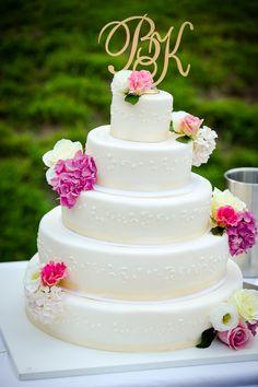 Hochzeitstorte creme, weiß, pastell, echte Rosen