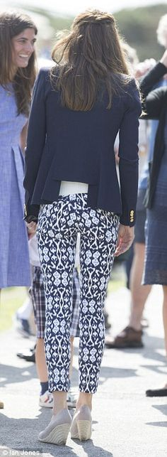 Battle of the bums: Kate's £21.99 trousers show Pippa's not the only one with a distracting derriere  | Daily Mail Online
