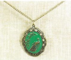 $5.99 Vintage Green Peacock Pendant Chain Necklace at Online Vintage Jewelry Store Gofavor