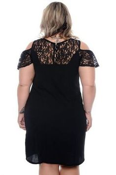 Vestido Plus Size Nicholy Plus Sise, Look Plus Size, Chiffon Gown, Couture, Dress Outfits, Dresses, Plus Size Fashion, Ideias Fashion, Gowns