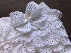 Free pattern for pretty white dress with frills http://handmadefree.com/2011/10/05/free-pattern-for-pretty-white-dress-with-frills/