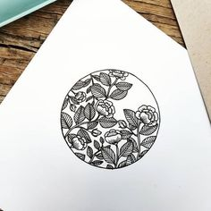 40 Easy Things to Draw for Your Bullet JournalFlower Circle Bullet Journal Doodle drawing doodle Things to Ways to Draw Simple Ways to Draw Flowers // flowers drawing // Flower drawing, floral drawing Doodle Drawings, Easy Drawings, Doodle Art, Tattoo Drawings, Doodle Sketch, Sketch Art, Tattoo Art, Circle Drawing, Circle Art