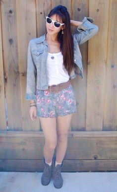 You gotta love floral shorts...