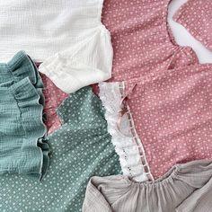 Guten Morgen! Na wie findet ihr unsere mint-grau Musselin Kollektion bisher? Wir haben natürlich noch einige weitere Farben und Modelle in petto. Lasst euch einfach überraschen oder schaut euch schon mal auf unserer Website um 🤍 #Coucoufashion #handmade #dress #musselindress #kidsfashion #kinderkleidung #kidsfashion #kidslife #kinderkleidung #mamaleben #mamasein #mamablogger #happy Girly Girl, Mama Blogger, Mint, Shoulder, Tops, Women, Instagram, Fashion, Muslin Dress
