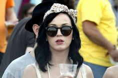 katy-perry-at-2011-coachella-music-festival1horn-rimmed wayfarers p3 sunglasses