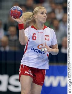 Karolina Siodmiak - Fotos | imago images Sports, Image, Tops, Fashion, Handball, Pictures, Hs Sports, Moda, Fashion Styles