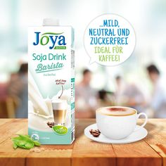 Der Soja Drink Barista ist die perfekte Lösung für alle, die ihren Kaffee vegan und laktosefrei genießen möchten. Sein milder, neutraler Geschmack überdeckt das Kaffeearoma nicht und ist somit die beste Wahl für Coffeeholics. Außerdem lässt er sich für Cappuccino, Matcha Latte & Co. perfekt aufschäumen. Rein #pflanzlich, #laktosefrei, #zuckerfrei. #vegan #soja #sojadrink #sojamilch #barista #kaffee #milchschaum #pflanzlich #cappuccino #latte #joyaworld #joya Barista, Matcha, Smoothie, Latte, Neutral, Drinks, Tableware, Soy Milk, No Sugar