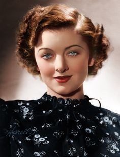 Myrna Loy such a funny actress in the Thin Man movies